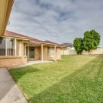 8 Featherwood Place, Thornton backyard